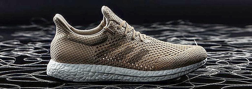 8241a372ef Hatalmas szenzációnak számított tavaly, amikor óceáni hulladékból  előállított cipőket mutatott be a világ egyik legismertebb  sportszergyártója.
