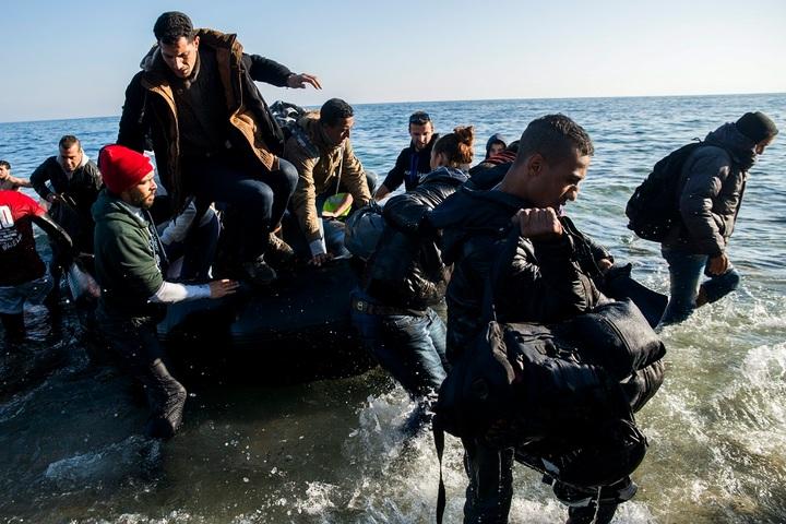 Regisztrálniuk kell az NGO-knak a görög hatóságoknál